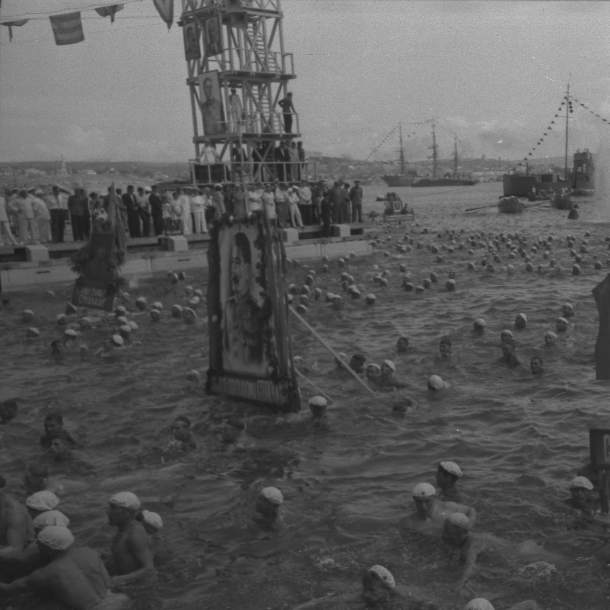 Выставка «История России в фотографиях. 1946 – 1964 гг»